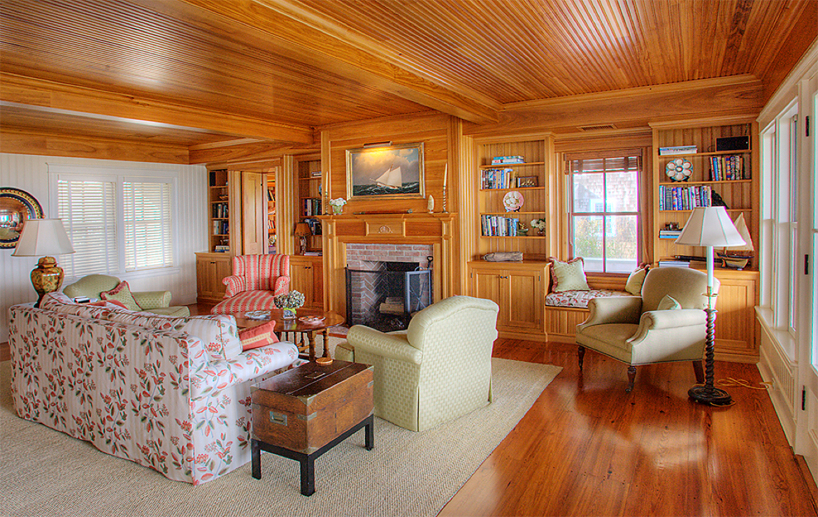 A Nantucket Living Room - Nantucket, MA